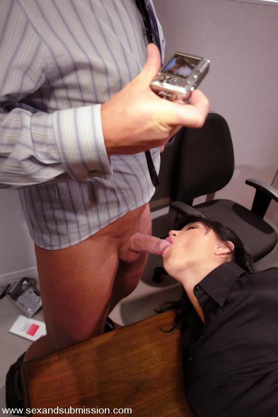 Порно звезда меридиан мастурбирует фото домашнего