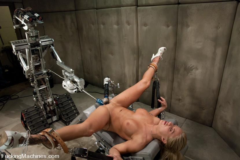 момент забирания порно просто с железными машинами время месячных