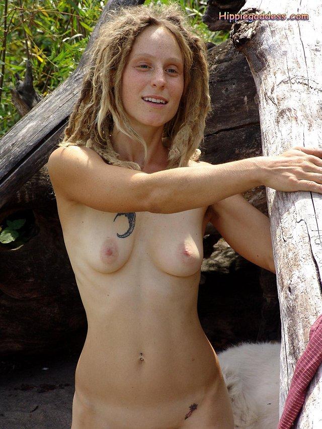 Hot hippy women naked — photo 12