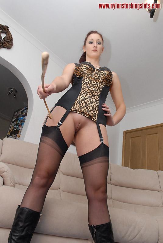 Mature big boobed milf in black stockings willingly spre - XXX Dessert