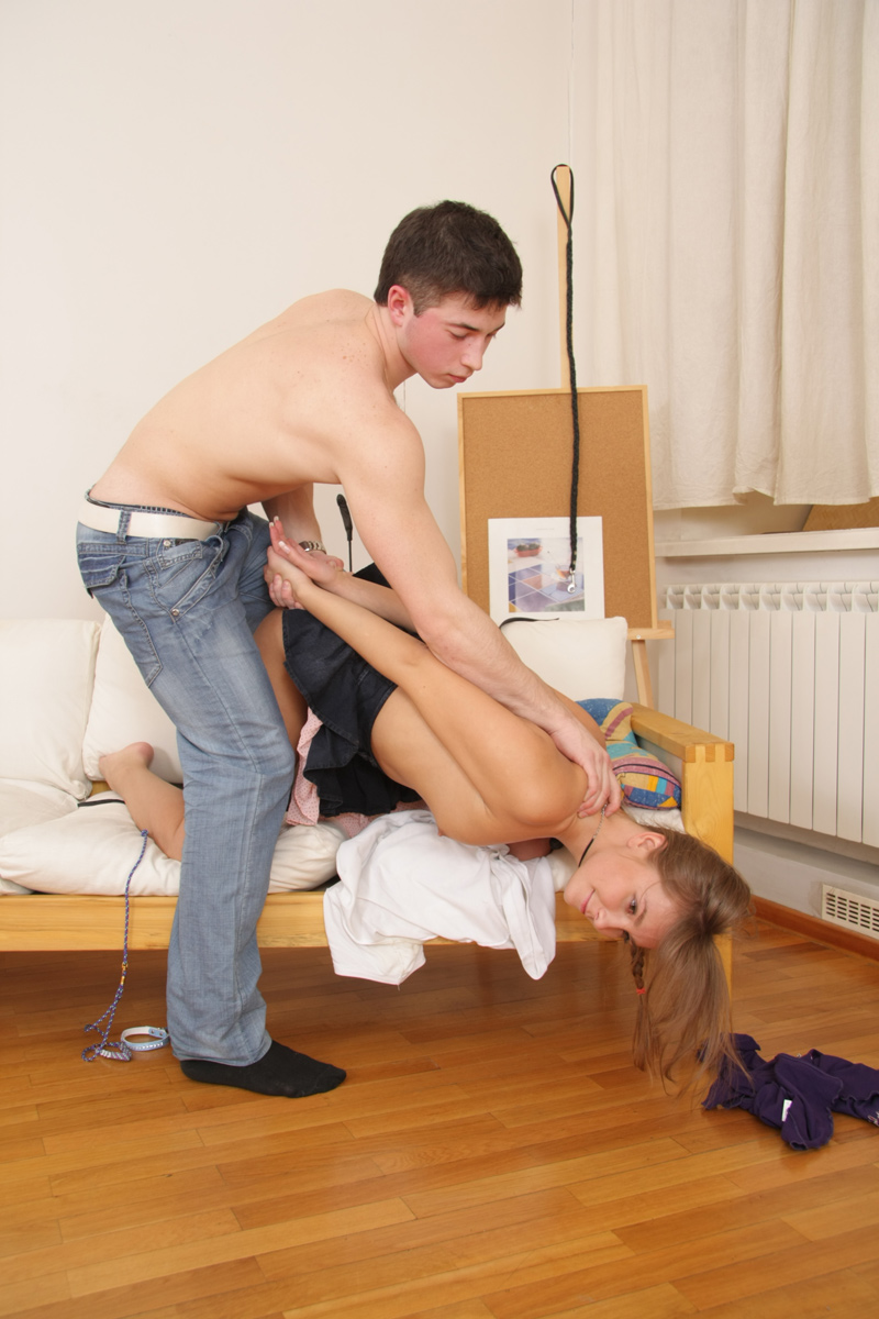 prinudili-studentku-k-seksu