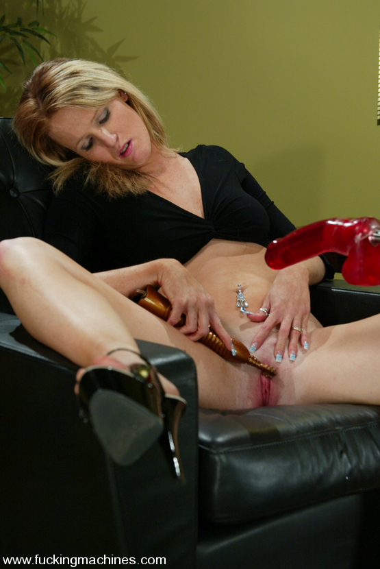 Hot girls love to get their pussy fucked - Unique Bondage - Pic 7