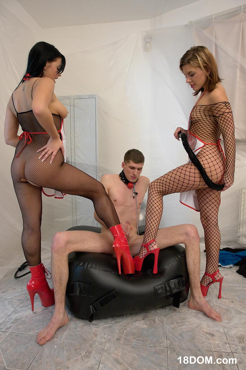 Фетиш видео с госпожой и рабом