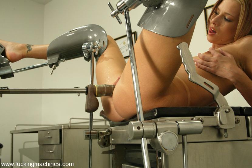 Sex machine xxx. Katja tries anal sex with a machine for - XXX Dessert