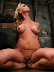 Slave porn. Hot MILF with HUGE nipples, gets - Unique Bondage - Pic 2