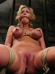 Slave porn. Hot MILF with HUGE nipples, gets - Unique Bondage - Pic 4