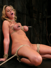 Slave porn. Hot MILF with HUGE nipples, gets - Unique Bondage - Pic 5