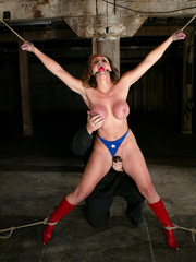 Bondage xxx. Voluptuous Christina bound, - Unique Bondage - Pic 3