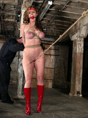Bondage xxx. Voluptuous Christina bound, - Unique Bondage - Pic 4