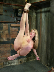 Bdsm xxx. 69 minutes of Harmony tied up - Unique Bondage - Pic 9