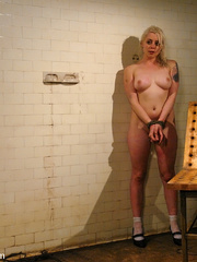 Female humiliation. Testing Lorelei Lee's - Unique Bondage - Pic 13