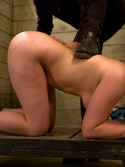 Bondage galleries. Gorgeous Slave girl - Unique Bondage - Pic 1
