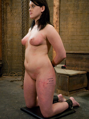 Bondage galleries. Gorgeous Slave girl - Unique Bondage - Pic 13