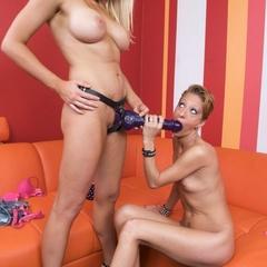 Xxx lesbian. Strap on sex with lesbos. - Unique Bondage - Pic 3