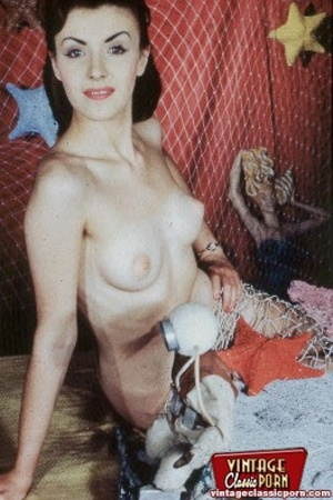 girls up nude Vintage pin