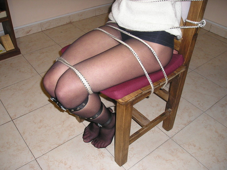 Bondage. Beauty gets bound to her chair. - Unique Bondage - Pic 3
