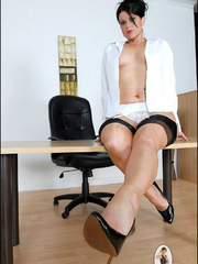 Girls in stockings. Mature leggy office - Unique Bondage - Pic 2