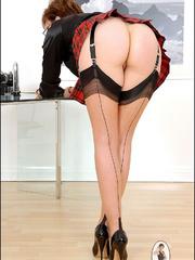 Bdsm sex. Leg mistress sonia. - Unique Bondage - Pic 10