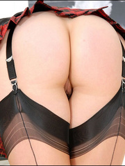 Bdsm sex. Leg mistress sonia. - Unique Bondage - Pic 11