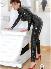 Tug jobs. Milf in skintight catsuit. - Unique Bondage - Pic 3