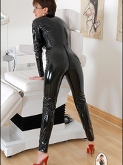 Tug jobs. Milf in skintight catsuit. - Unique Bondage - Pic 5
