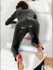 Tug jobs. Milf in skintight catsuit. - Unique Bondage - Pic 10
