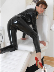 Tug jobs. Milf in skintight catsuit. - Unique Bondage - Pic 14