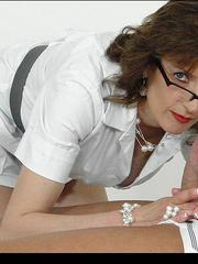 Mature sexy. Mature masseuse sonia. - Unique Bondage - Pic 9