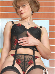 Femdom sex. Milf office manager. - Unique Bondage - Pic 10