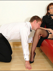 Female strap on. Young guy cums over milf. - Unique Bondage - Pic 3
