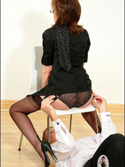Female strap on. Young guy cums over milf. - Unique Bondage - Pic 6