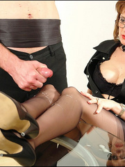 Female strap on. Young guy cums over milf. - Unique Bondage - Pic 14