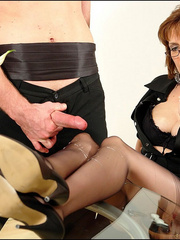 Female strap on. Young guy cums over milf. - Unique Bondage - Pic 15