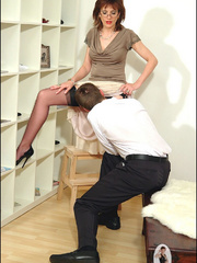 Hands sex. Mature blows office boy. - Unique Bondage - Pic 9