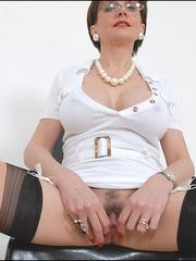 Hand job porn. Pussy spreading milf. - Unique Bondage - Pic 13