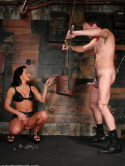 Slave xxx. Mistress Sandra Romain fucks - Unique Bondage - Pic 3