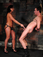 Slave xxx. Mistress Sandra Romain fucks - Unique Bondage - Pic 9