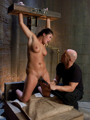 Bdsm girls. Asian beauty London Keyes - Unique Bondage - Pic 5