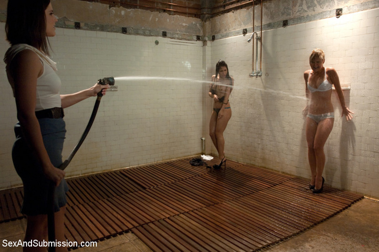 Disgraced porn. Girls submit to sex slave - Unique Bondage - Pic 2