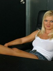 Horny lesbian. StraponLesbians. - Unique Bondage - Pic 1