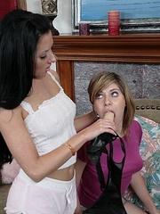 Lesbian galleries. StraponLesbians. - Unique Bondage - Pic 4