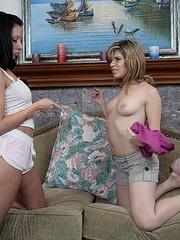Lesbian galleries. StraponLesbians. - Unique Bondage - Pic 8