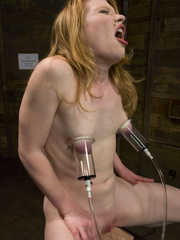 Machine fuck. Madison Young cums from hard - Unique Bondage - Pic 8