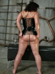 Machine fucking. Jenya enjoys and oily, wet - Unique Bondage - Pic 4