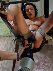 Mechanical sex machine. Charley Chase big - Unique Bondage - Pic 9