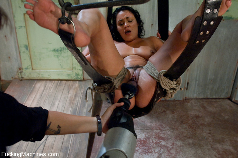 Mechanical sex machine. Charley Chase big - Unique Bondage - Pic 9
