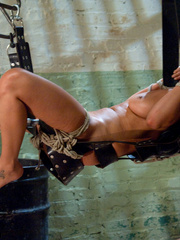 Mechanical sex machine. Charley Chase big - Unique Bondage - Pic 10