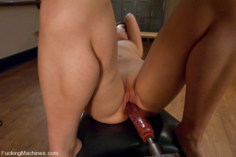 Sex machine orgasms. Perfect body amateur - Unique Bondage - Pic 13