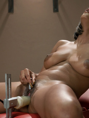 Fucking machines xxx. Black babe with D cup - Unique Bondage - Pic 1