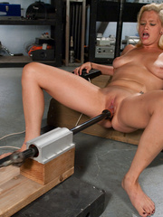 Machines sex. Amateur blond never done porn - Unique Bondage - Pic 3